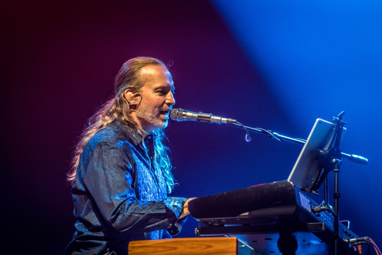 Keyboard Veteran Andrew Colyer To Tour With 3.2 featuring Robert Berry!